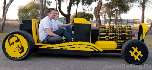 Un roman a construit o masina complet functionala doar din piese lego